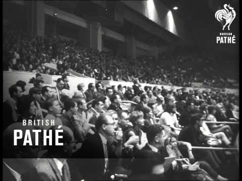 Indoor Athletics Meet In San Francisco   (1966)