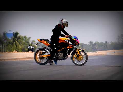 Roxy stunt (bajaj pulsar 200 ns)