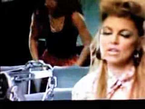 Fergie - Clumsy THE OFFICIAL MUSIC VIDEO