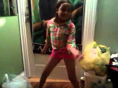 My 7 year old sister dancing drop it low girl