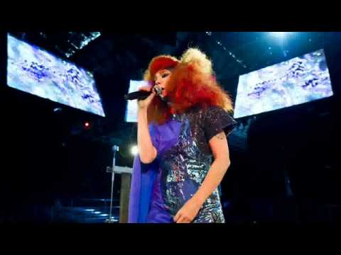 Björk live @ MIF (Biophilia) - Crystalline.avi