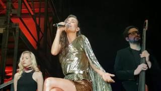 Sasha Sokol cantando Rueda Mi Mente