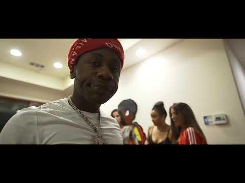 Soulja Boy Ft. Q Money - Walk In The Drip