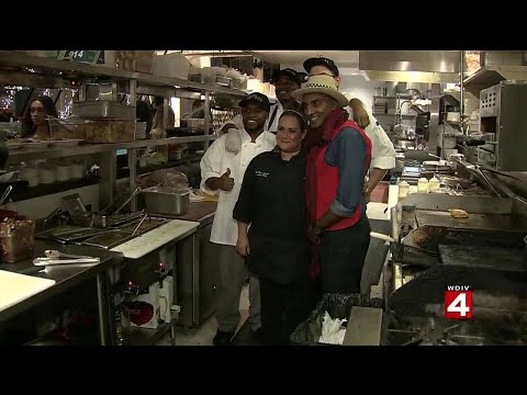 Celebrity chef Marcus Samuelsson takes over Central Kitchen in Detroit