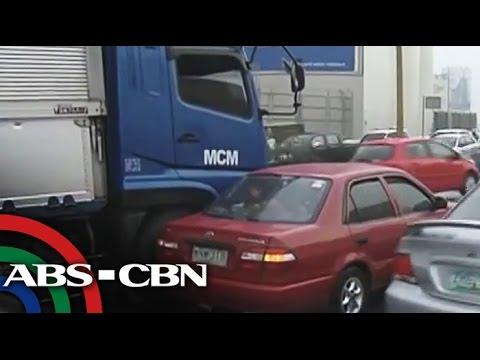 Truck accident, rain cause C-5 gridlock