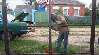 Как Я сделал ворота из профильной трубы, забор своими руками ч.2(Всю работу кроме забивания столбов, я делал впервые. Столбы 60х60х2, забиты через через 3 метра, их длинна 3м,..., 2015-12-16T17:53:35.000Z)