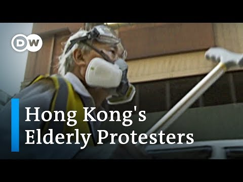 Hong Kong: Elderly shield protesters at the front lines | DW News
