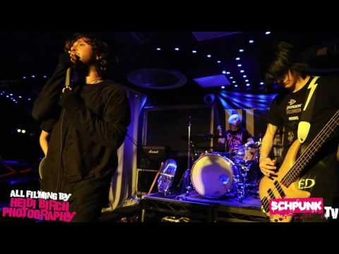Deny The Moment Live Cameo Schpunk