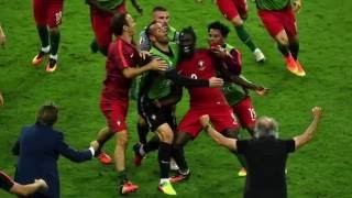 France vs Portugal/Commentateur portugais en delire!/