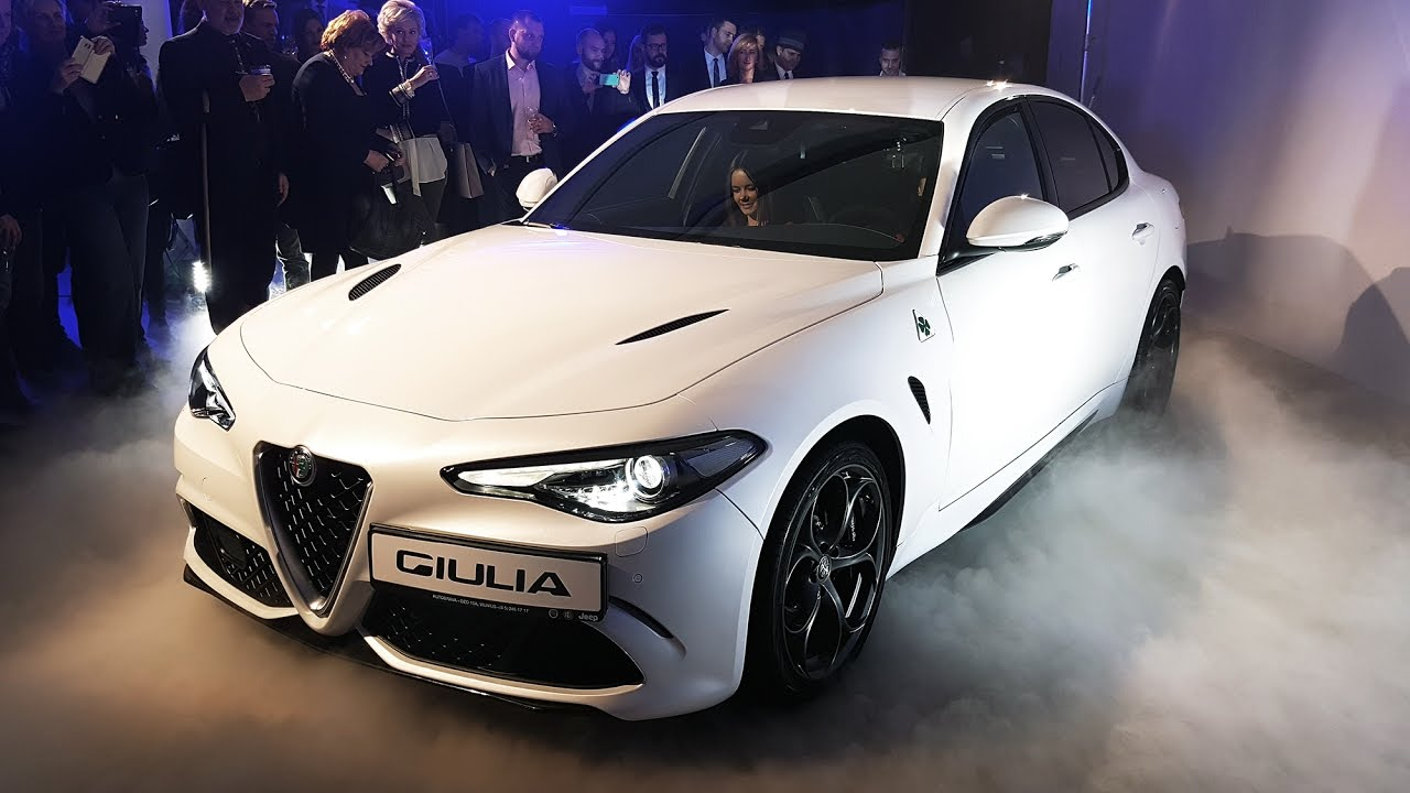 2017 Alfa Romeo Giulia Quadrifoglio Verde Sound Revs Exterior Interior Youtube