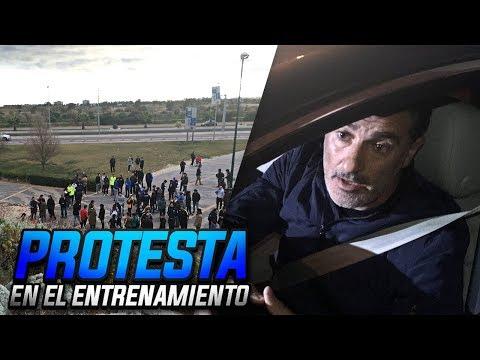 PROTESTA en el ENTRENAMIENTO del MÁLAGA   Palabras de Míchel, Recio y Adrián...
