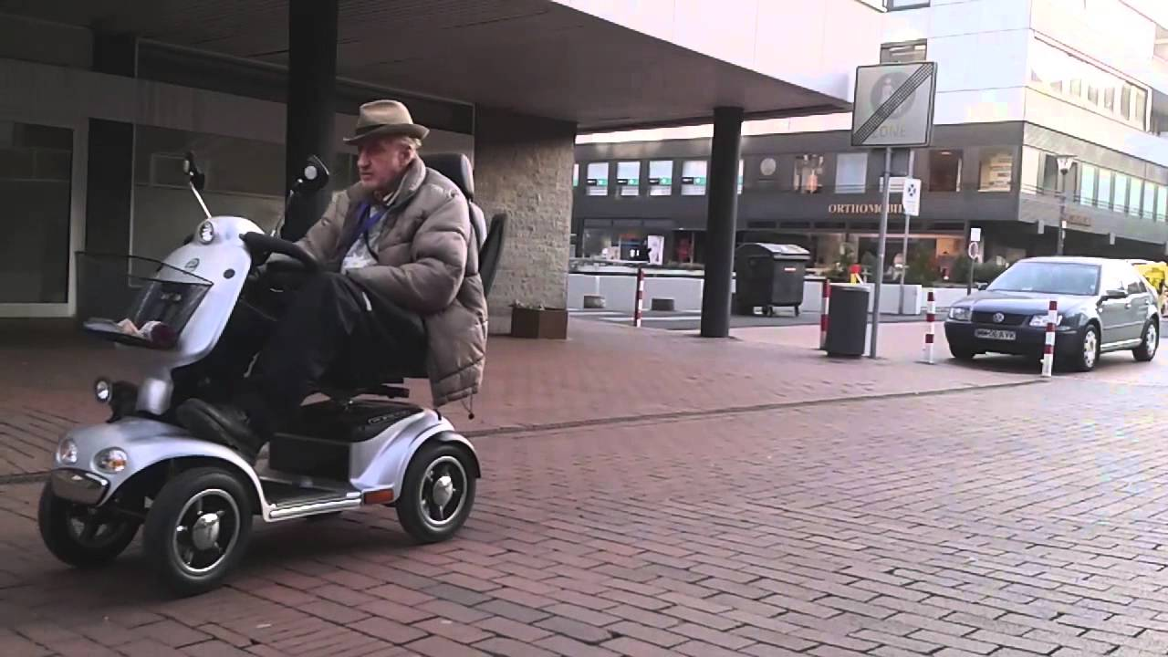 Electric car old man sooooo slooow youtube for Motorized cars for 7 year olds