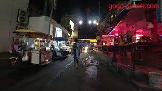 Walk the beach road soi10 in the evening【2017 Pattaya】 thumbnail