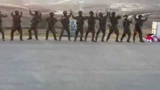 Israeli paratroopers dancing sertanejo - Ai se eu te pego