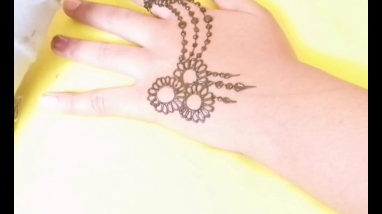 3 رسومات نقش الحناء للبنات الصغار للعيد 3 Henna Engraving Drawings For Children For Occasions Youtube