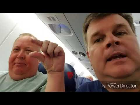 Delta Boeing 767-300 and Bombardier CRJ-900 Flight Review 2017-10-14