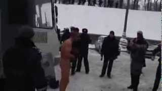 Police beat naked man in Ukraine snow   Truthloader