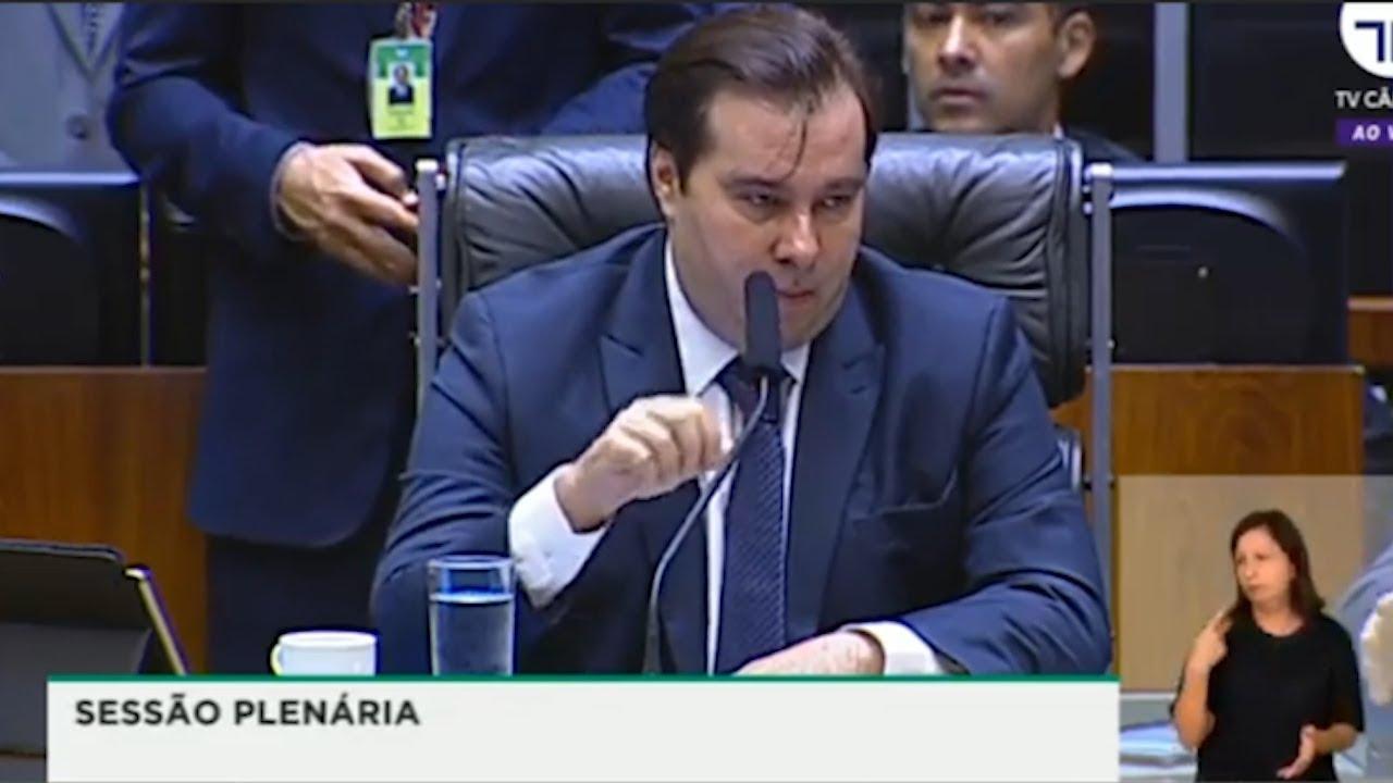 Resultado de imagem para Maia dá piti e ameaça derrubar de vez reforma administrativa