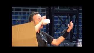 Bruce Springsteen sings Hungry Heart in Hannover , Germany,May 28 2013
