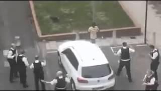 ПОЗОР ЕВРОПЕ! 11 полицейских не могут арестовать одного взбесившегося мигранта! Новости 16 01 2016