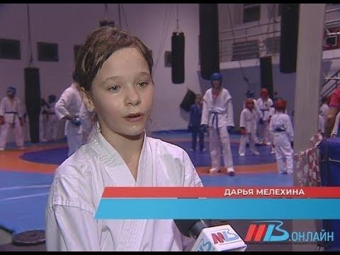 У волгоградских девушек появился мотив изучить рукопашный бой и кикбоксинг