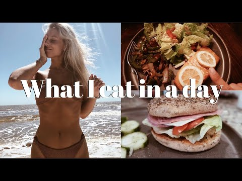 WHAT I EAT IN A DAY: healthy at home meal ideas & grocery haul