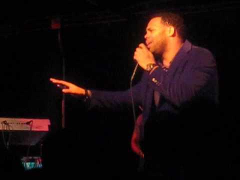 Eric Roberson Live Performance,