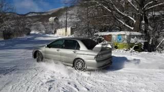 Mitsubishi Lancer Evo 7 GT-A Snow Drift.