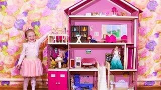 Домик для кукол Барби и с мебелью РАСПАКОВКА игрушки и Герои Дисней для девочек barbie for girls