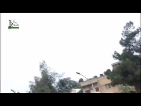 طائرات الأسد تقصف الوعر