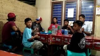 Video Suci dalam debu Pengamen kreatif pare @kampung inggris download MP3, 3GP, MP4, WEBM, AVI, FLV Juni 2018