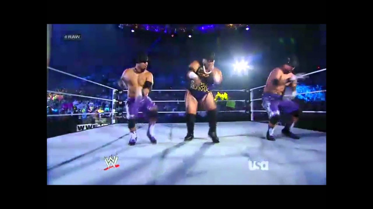 Returns on raw and dances with the usos 16 07 2012 youtube