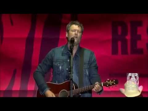 Blake Shelton - We're Painting The Town Of Tishomingo 09.30.2017