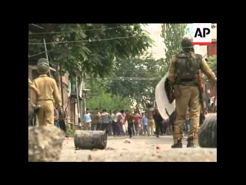 Teen's death sparks clashes in Indian Kashmir