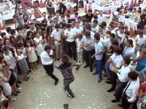 Свадьба Эльдара Иразиева(зажигают Халил и Юсуп)