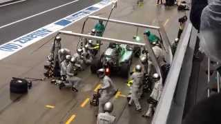 F1 メルセデスのピット作業 完璧なチームワーク Perfect teamwork thumbnail