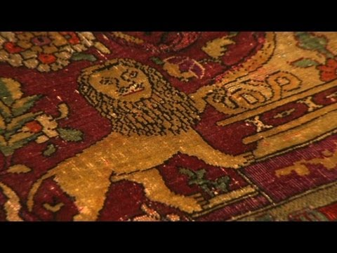 What makes an antique rug an investment