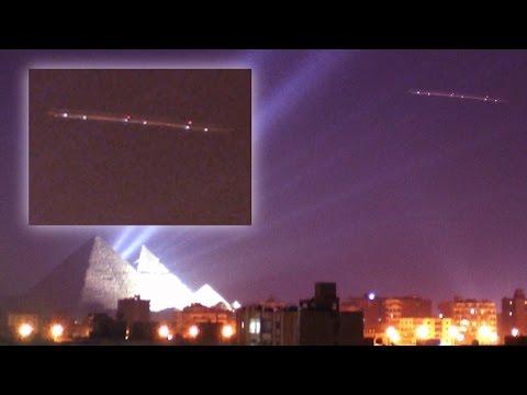 WHOA! [Interdimensional ALIEN UFO CRAFT GIZA] [NEW Discovery Massive Pyramid & DOME ON MOON] 2016
