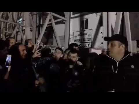 58cb4f9845d Metrosport.gr Χαμός με Βιεϊρίνια έξω από το γήπεδο - YouTube