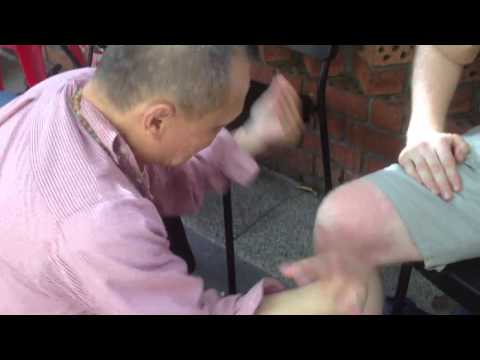 Qigong Healing on Knee