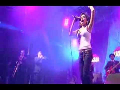 Amy Winehouse  Valerie  at Eurockeennes
