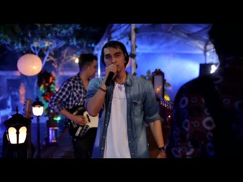 Lyla - Kugadaikan Cintaku (Gombloh Cover) (Live at Music Everywhere) **