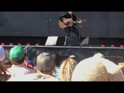 Glen Hansard at Ohana 2017 with Eddie Vedder