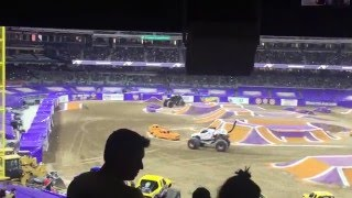 Doomsday vs Monster Mutt Dalmation Round 1 PHOTO FINISH San Diego Monster Jam 2/6/16