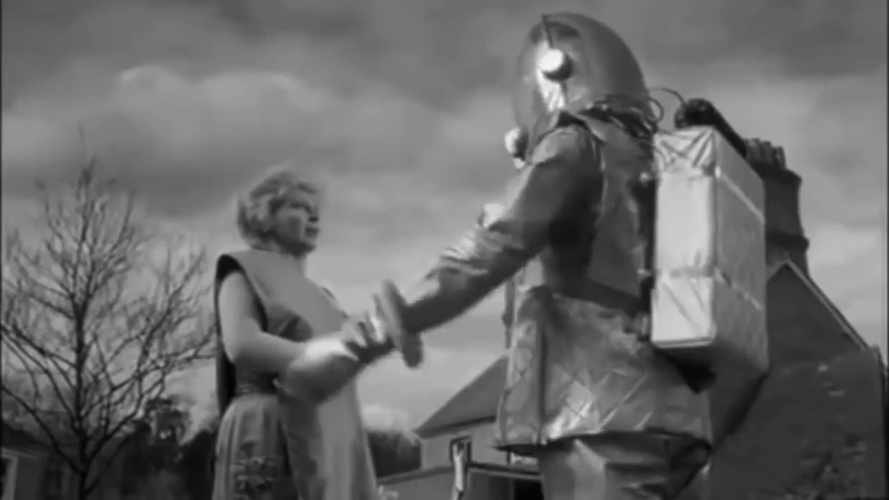 Scene from The Earth Dies Screaming (1964) - YouTube