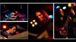 Play Wonderful Life (Live)