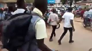 Police in running battles with Kampala supporters of popular artist Jose Chameleon.
