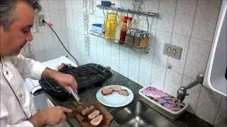 Filé mignon suíno e linguiça toscana na churrasqueira elétrica