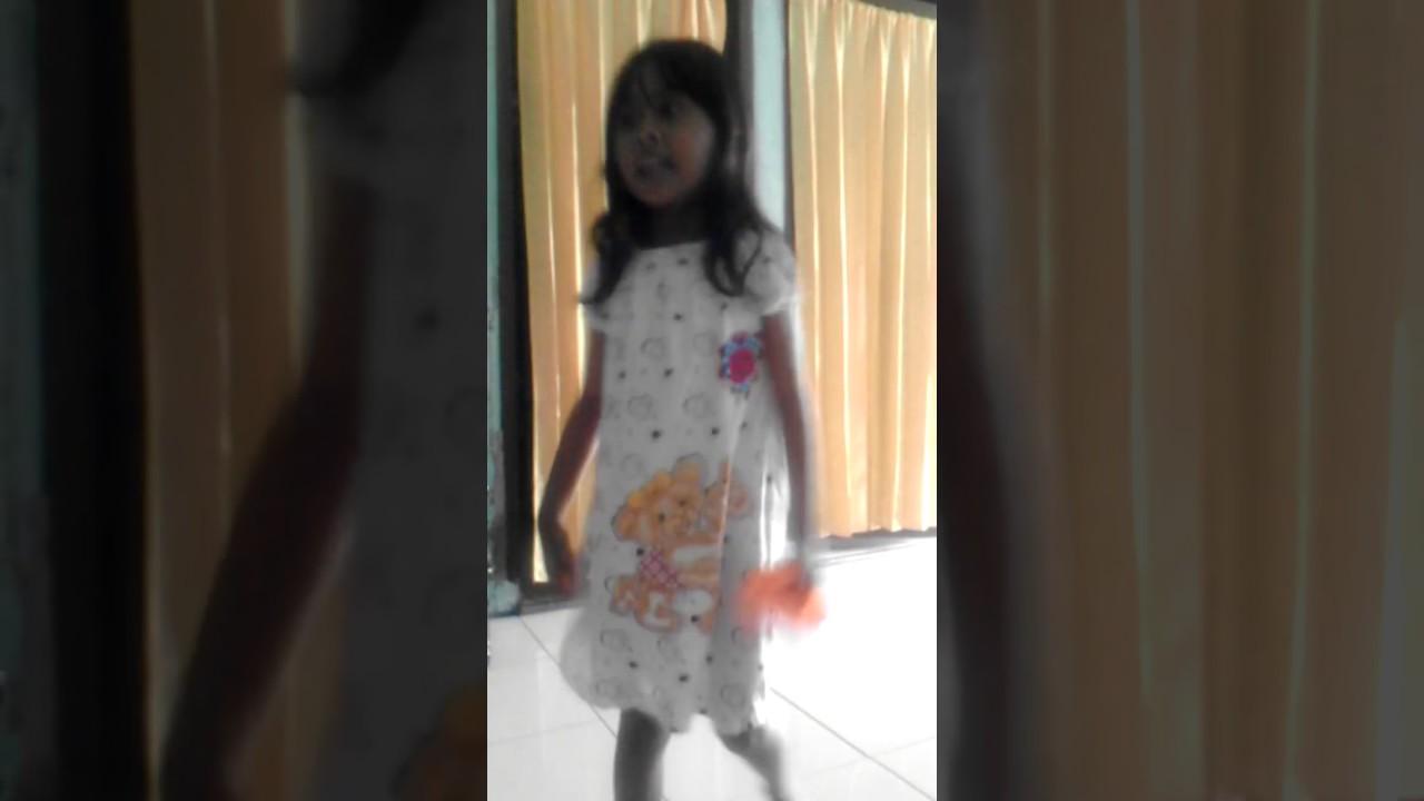 lagu Rohani Gloria anak umur 4 tahun..