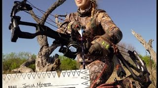 THE MOMENT tv: Bowhunting HOGS in South Texas MUST WATCH! EPIC SHOT